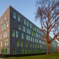 Südseite des neuen Studierenden Service Center (Schuster Architekten Düsseldorf) der Universität zu Köln.